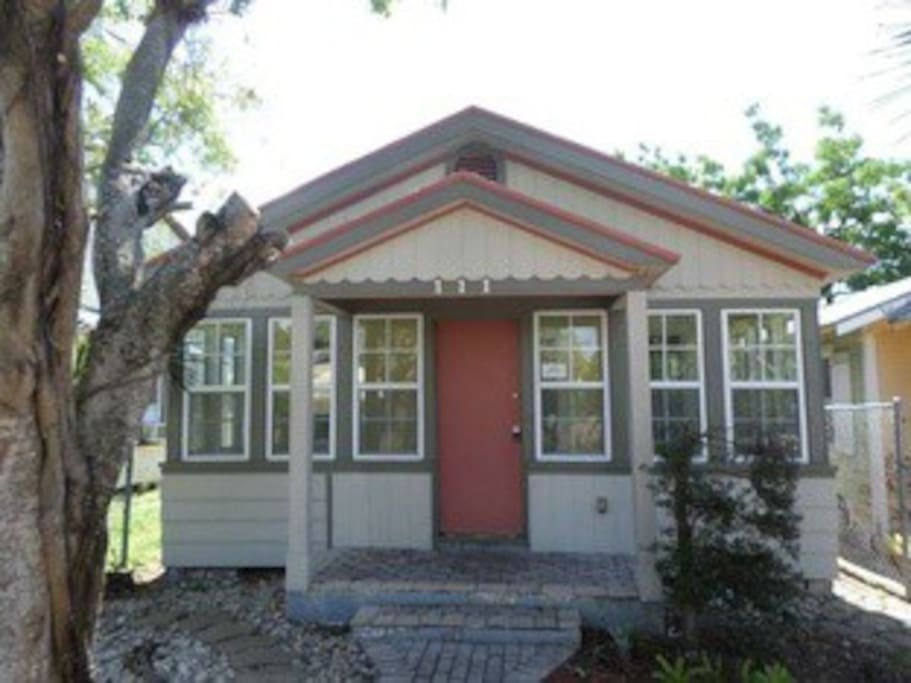 Cozy cottage in downtown lake worth case in affitto a for Piani di casa cottage florida