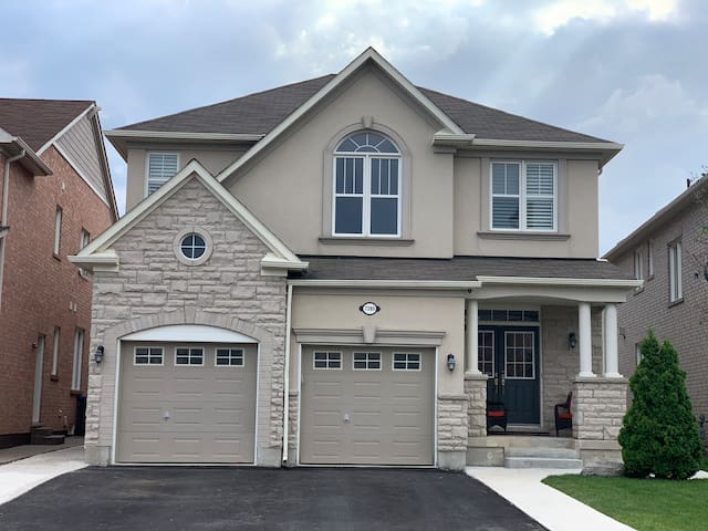 Large clean family home for that perfect getaway.