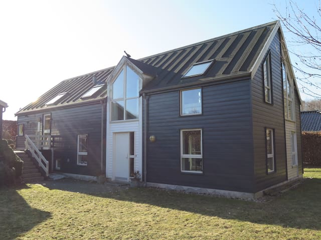 Scandinavian style house 30 min from Copenhagen