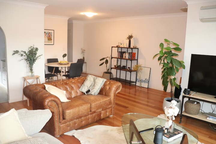 Beautiful, spacious apartment near Centennial Park