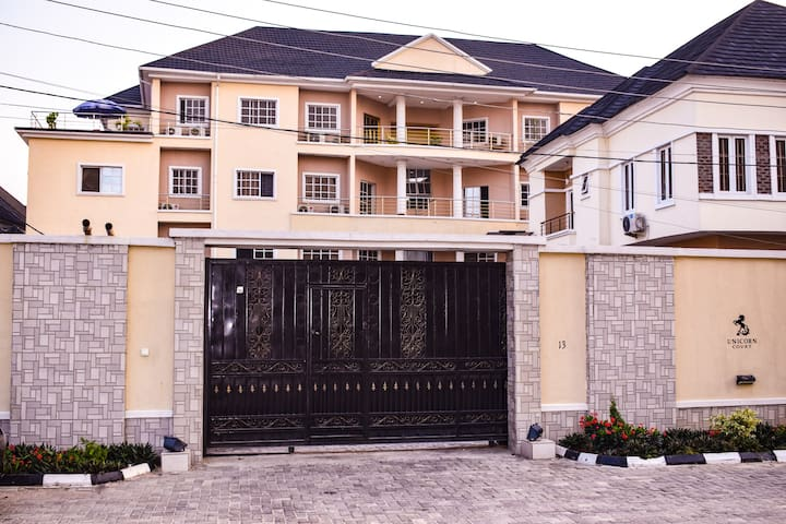 Lekki Luxury Penthouse for Business and Pleasure