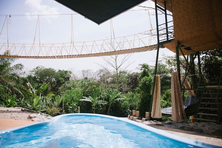 ❤️ Tarzan Honeymoon Treehouse, Pool + Waterslide!