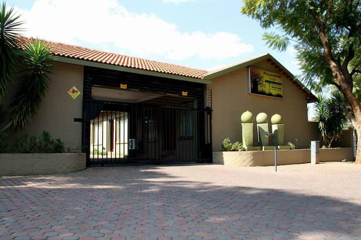Polokwane Lodge (Unit 2)