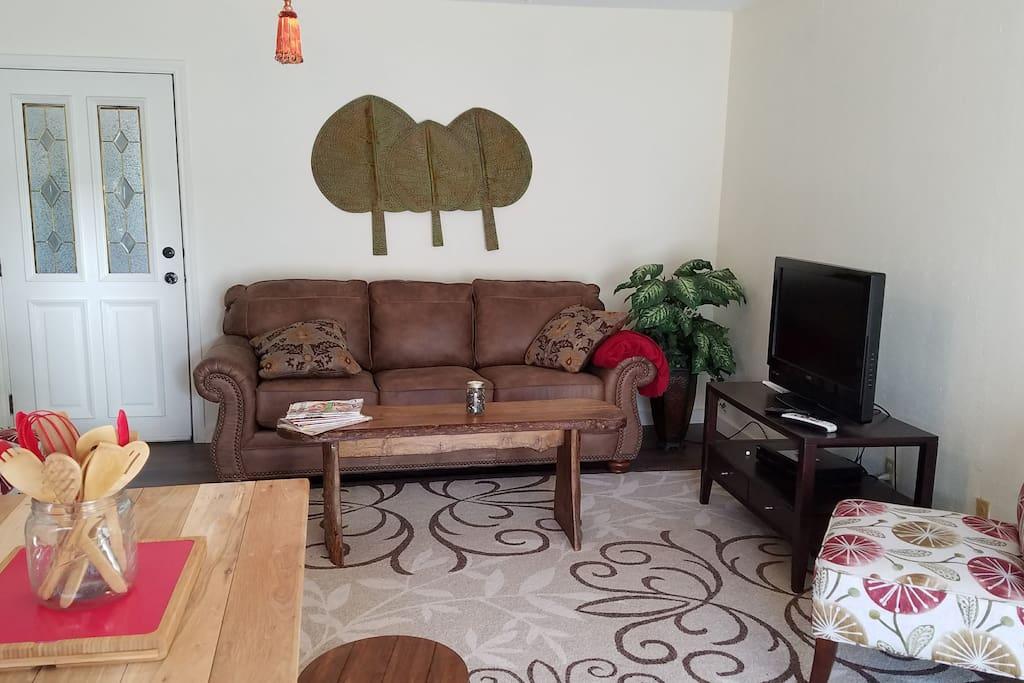 Living Area with Tempurpedic Sleeper Sofa