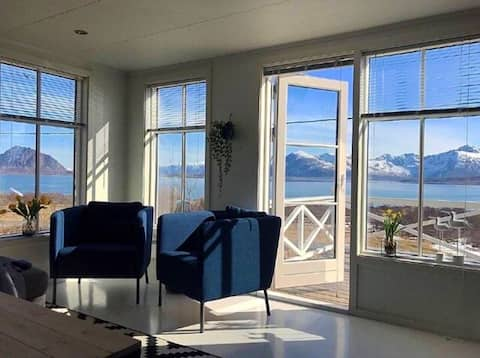Lofoten - Holiday home with fantastic location!