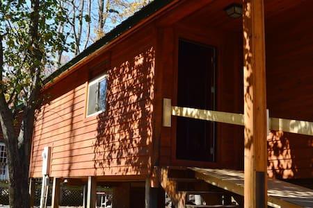 Revelles River Retreat - Bunkhouse - Elkins