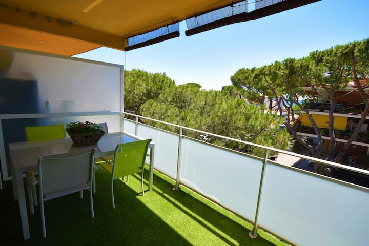 NEW APARTMENT, WITH TERRACE TO THE SEA
