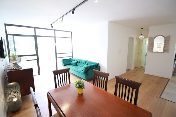 ♥Gorgeous & Specious 2BR Apt/ By German Colony♥