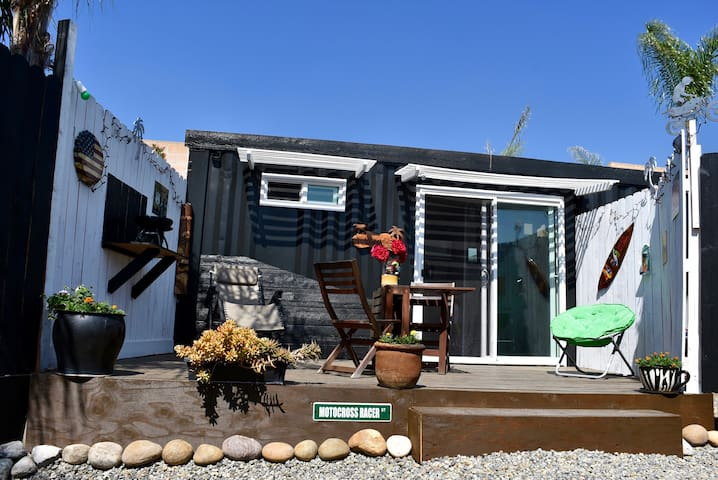 Cozy Tiny House Container private - San Bernardino - Inny