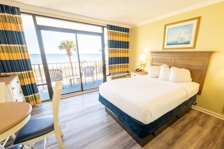 ⭐ NEW 2021 Remodeled, Direct Oceanfront, Heated Pools!