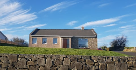 Rosshaven Cottage: 3 bedroom home in Rosses Point.