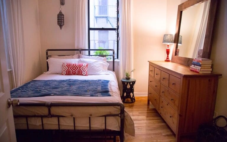 Cozy 1 Bedroom in the Heart of Clinton Hill