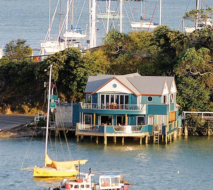Boathouse Opua