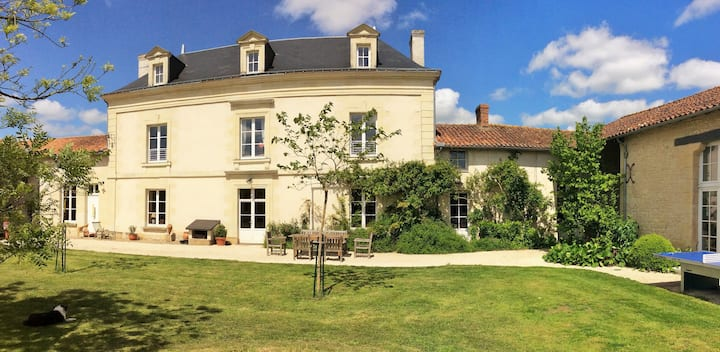 B&B, garden, large pool, table d'hôtes