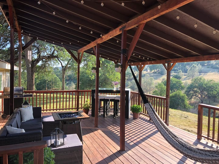 Jaybird travel retreat, near Yosemite +porch views