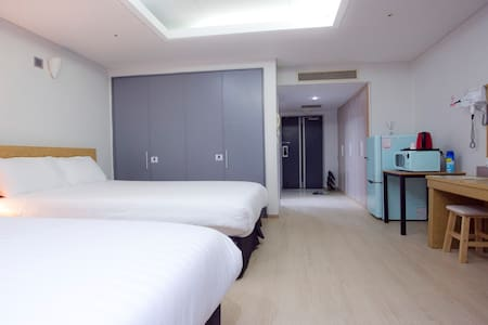 Galaxy Incheon Airportel Superior Twin Bed