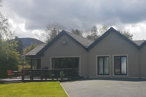 MUCKROSS DOUBLE & SINGLE BED WITH ENSUITE  (E1)