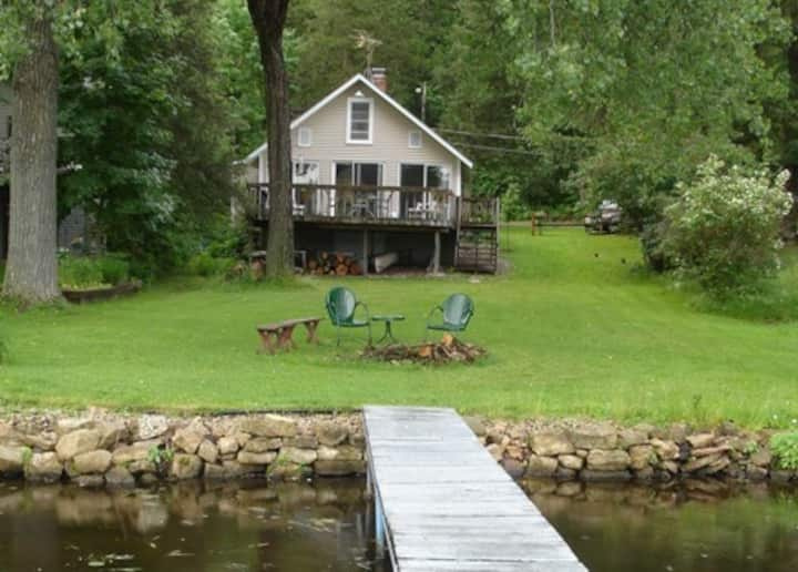 Island View Hideaway Vacation Cottage