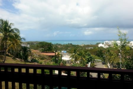 Very nice apt. Near beach, restaurants, and parks!