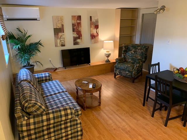 Lovely One Bedroom Apartment in Downtown Wolfville