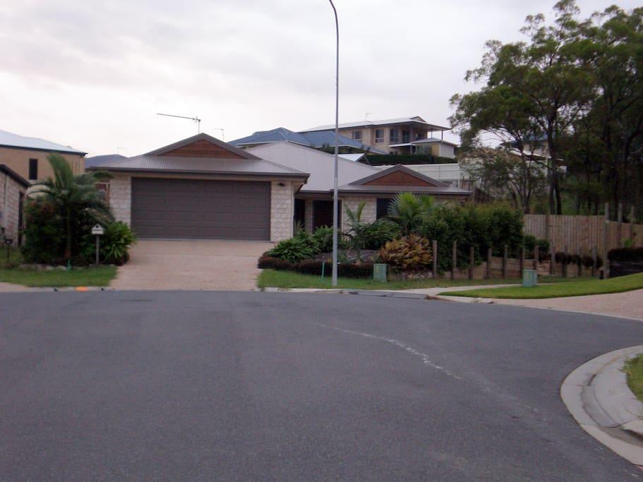 Gladstone Qld 1 Bedroom In Family Home Houses For Rent In Glen Eden Queensland Australia
