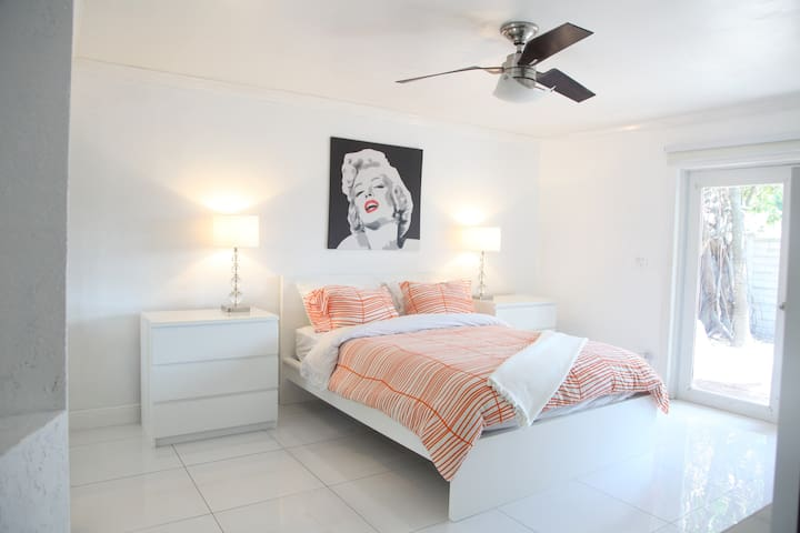Orange Room, Heart of Wilton Manors - Wilton Manors - Casa