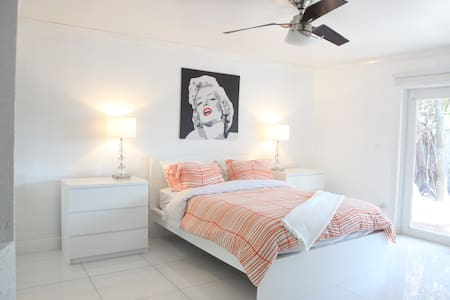 Orange Room, Heart of Wilton Manors