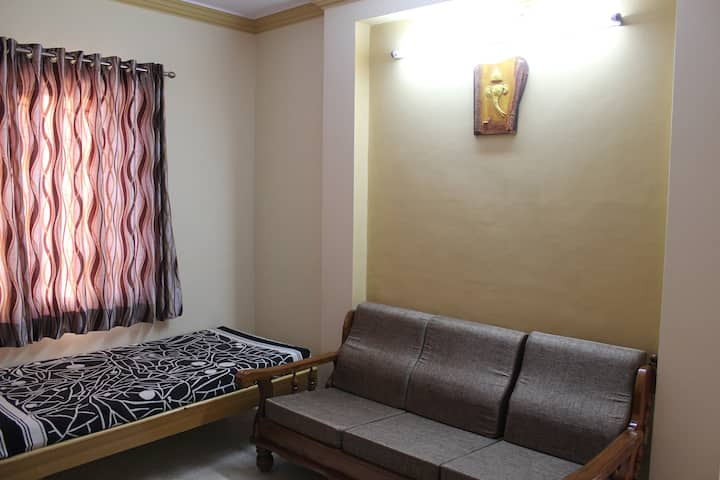 Fully furnished 1BHK Service Apt.