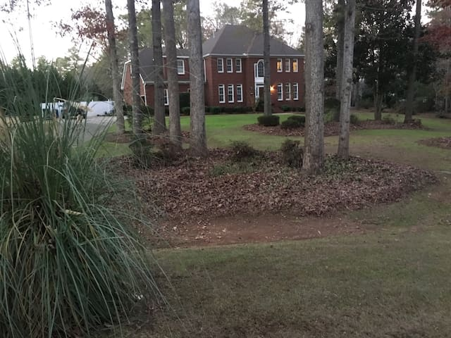 Private Suite in Lovely Home Near Wesleyan College - Macon - Hus