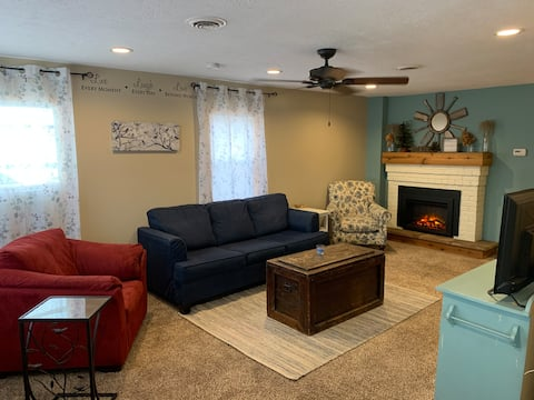 Lake Erie Adventure Cottage 3BR  - Beach access