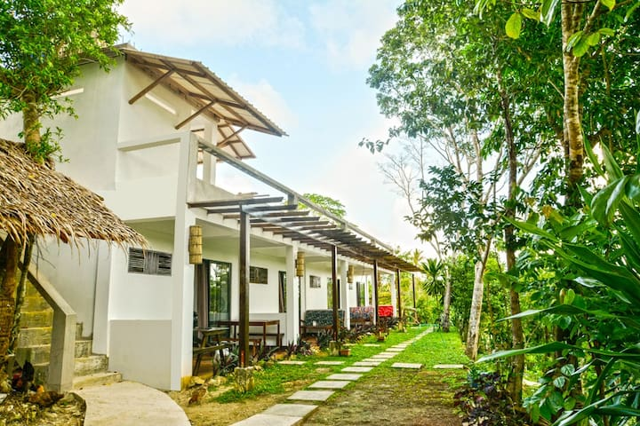 Tawin Home Stay Room 1 ( Mangrove forest )
