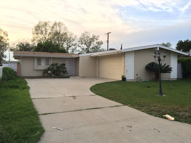 Whittier Home 4BD 2Bath