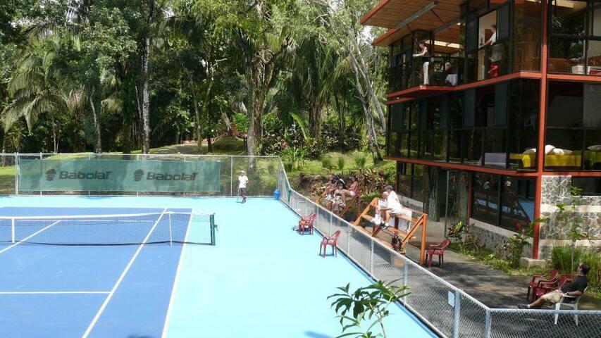 Perfect for Couples Manuel Antonio Park A/C Pool