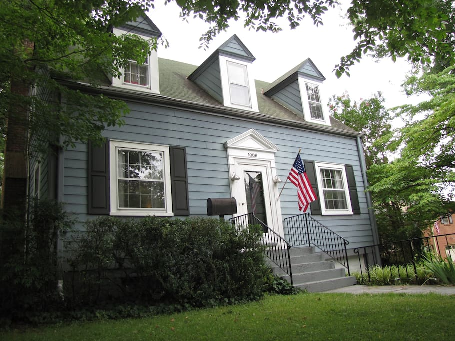 Charming 3-bedroom Cape Cod Near Downtown