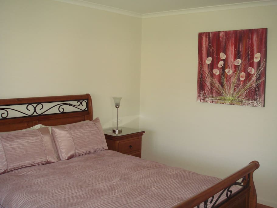 , Bedrooms x2 queensize with built-in wardrobes