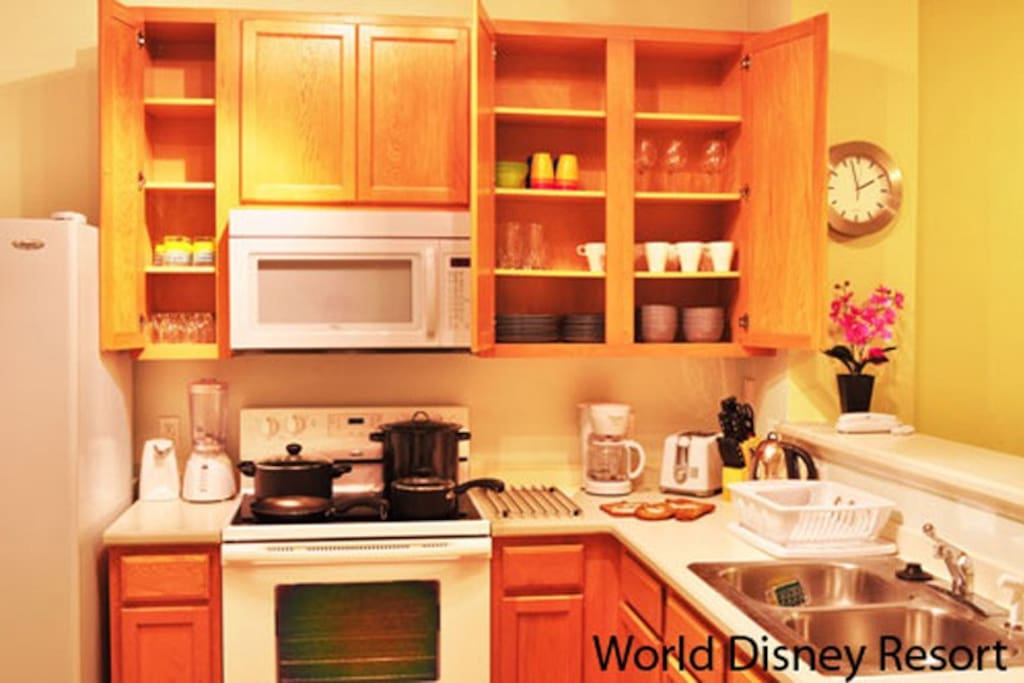 Sweet Home Vacation Rental Homes: 3 Bedrooms Paradise Cay #1 (Kitchen)