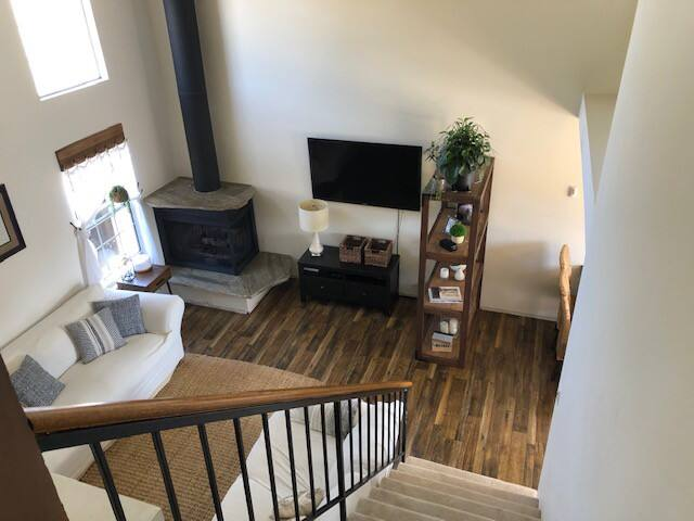 Fully Furnished Farmhouse style home