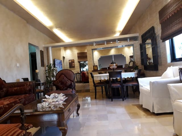 2 bedroom Apartment in the Heart of Hamra