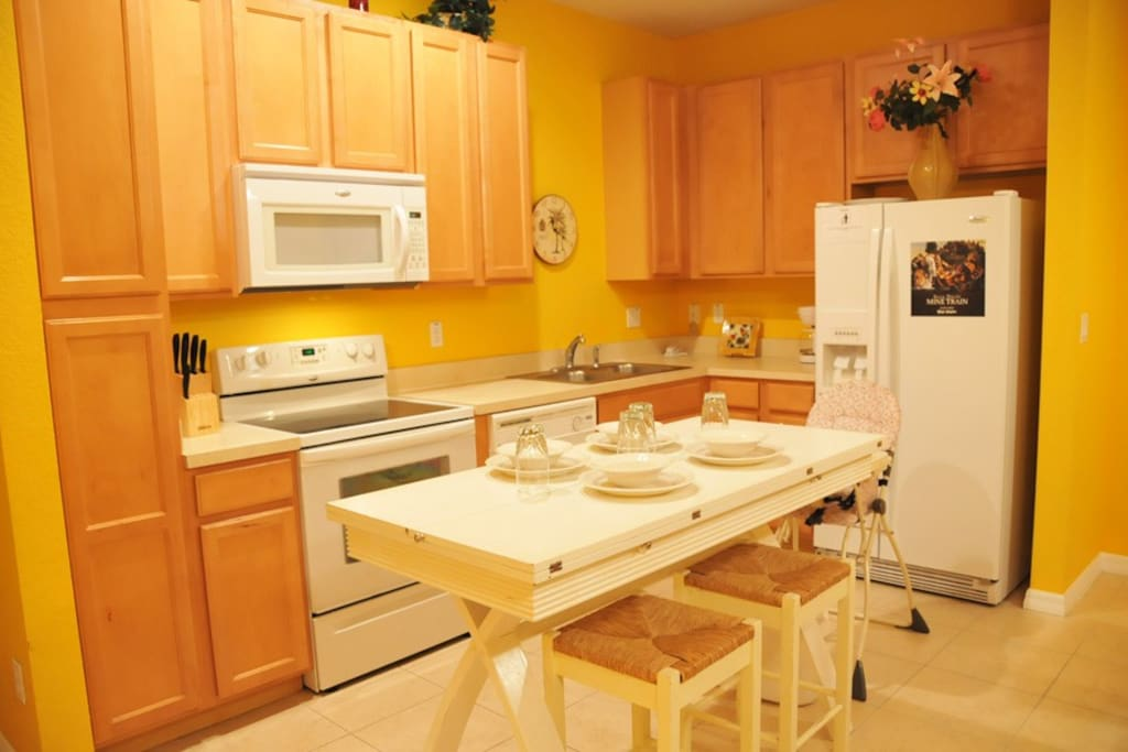 Sweet Home Vacation: Coral Cay #1 (Kitchen)
