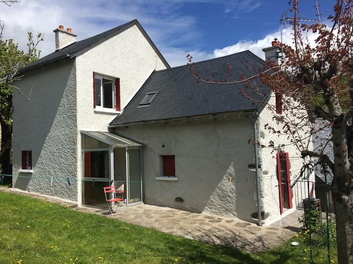 Maison avec jardin  (Limite Cantal Aveyron)