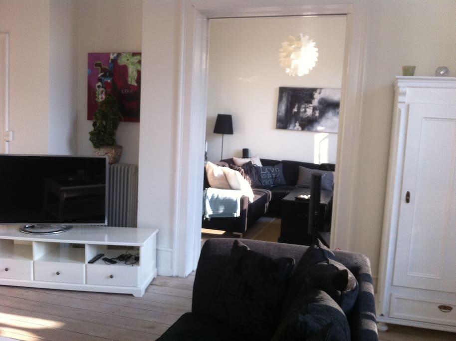 living rooms en suite