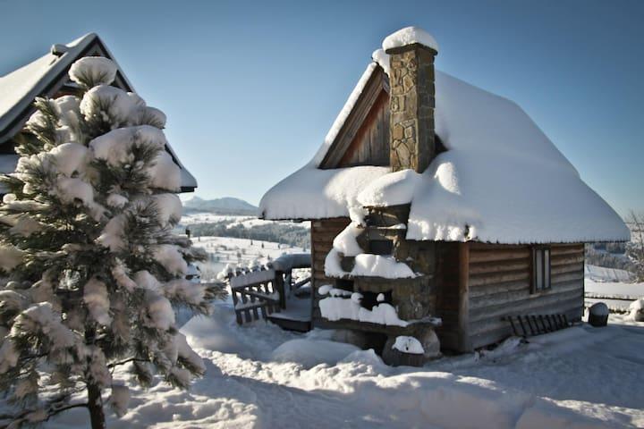 Miętowa Górka, romantyczny domek - Czerwienne - Faház