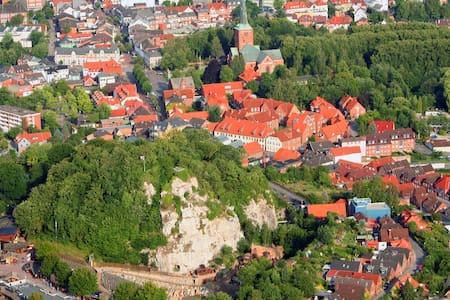 Altstadtwohnung mit Terrasse! K - Apartamento