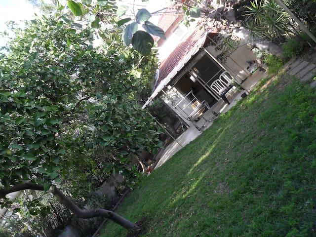 Charming Botanical Garden Villa - Kefar Sava - Villa