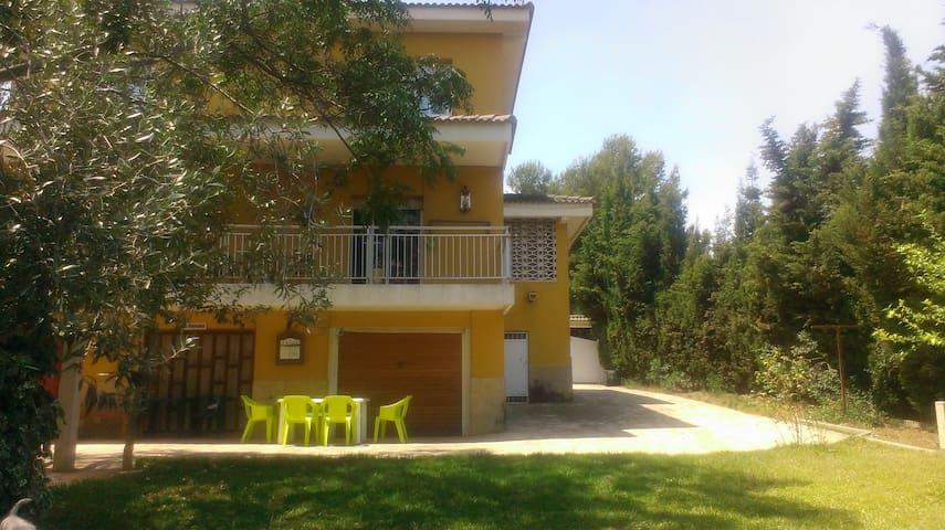 Inspiring villa in Segur de Calafel - Calafell - Villa