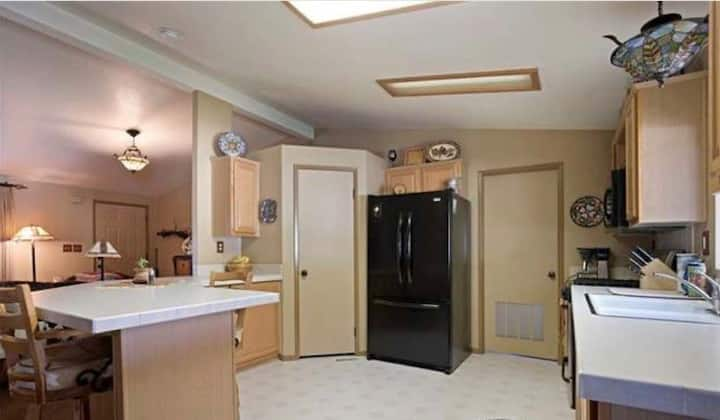 Beautiful 3 Bedroom House on 40 acre horse ranch