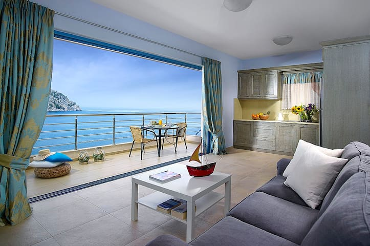 Family Suite with Sea View - Euboea