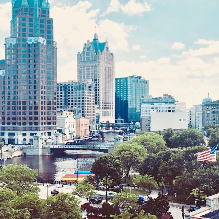 Old World 3rd St Downtown Milwaukee (Fiserv Forum)