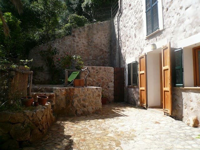 2 Bedroom apartment in Stone House - Banyalbufar - Appartement
