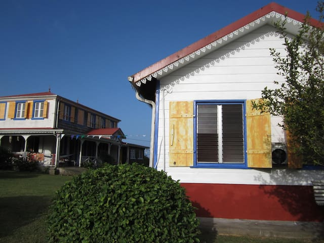 Traditional creole cabin in an historical property - Le Morne Rouge - Bed & Breakfast